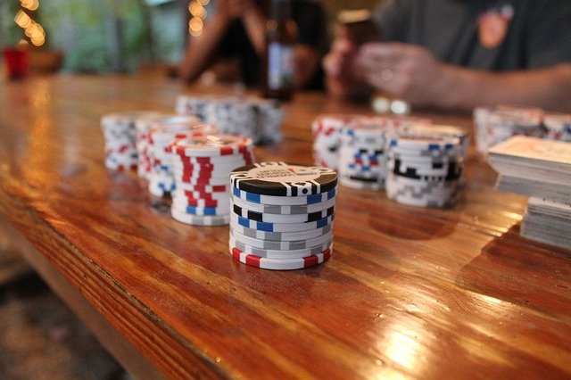 How To Pit Against Strong Poker Players